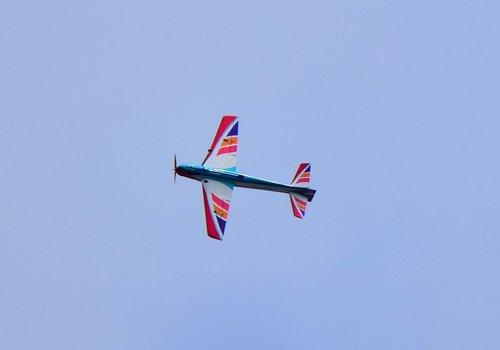 ラジコン飛行機1506aa.jpg