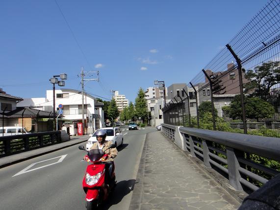 バイクとチャリで散策はかなり難しいぞ.JPG