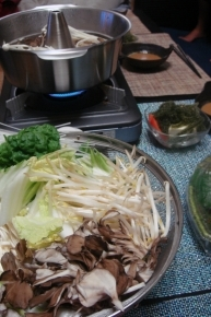 野菜は白菜・もやし・舞茸・ネギ