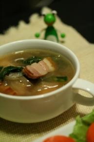 たまねぎ・ベーコン・小松菜のスープ