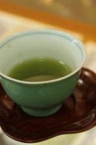 金平糖のお茶、夢緑茶を入れていただきました*:.。☆..。.(´∀`人)ほんのり甘くて美味しいーーーーーーーの♪