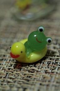 ひよこ浮き輪カエル
