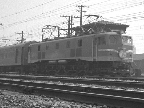 002-195704tsubame01-02.jpg