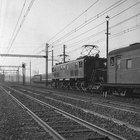 04-ef58train-5402shinagawa.jpg