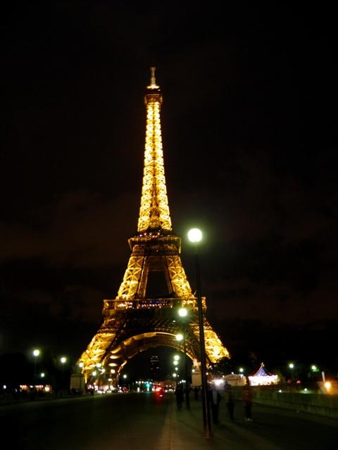 10.06.08-1081  パリ エッフェル塔A1.jpg