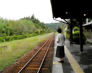 10.10.15-123  霧島 駅3.jpg