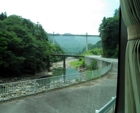 A12.08.09-01 JRバス54.jpg