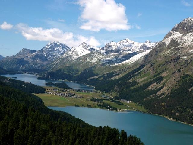 氷河湖の眺め2.jpg