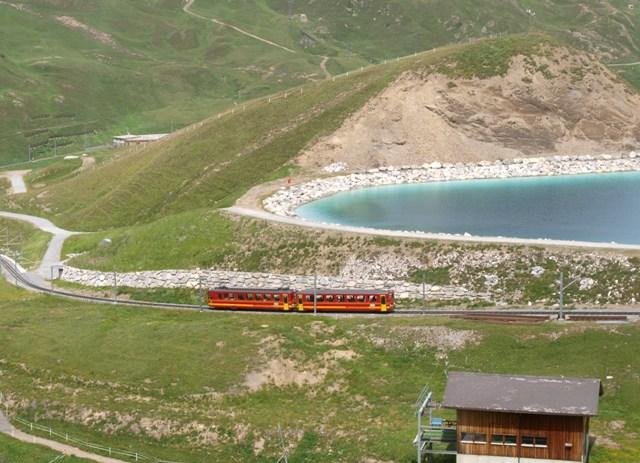 登山電車8A.jpg
