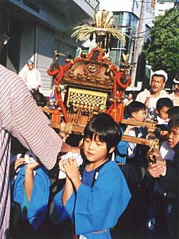 下落合氷川社祭礼1999.jpg