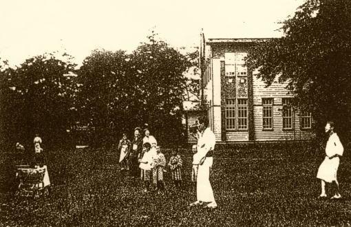 英語学校1912築.jpg