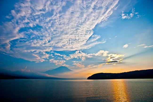 山中湖湖畔夏の平野 10072405.jpg