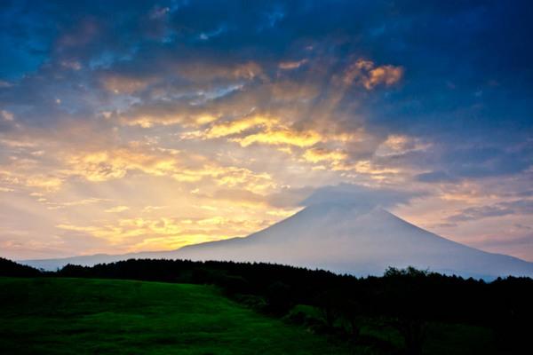 朝霧高原の秋朝 09092737.jpg