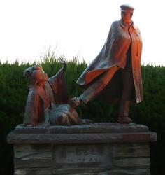 寛一お宮の像