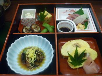 お昼の定食.JPG