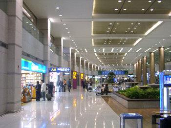 仁川国際空港到着ロビー.jpg
