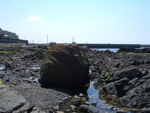 おっぱい岩.jpg