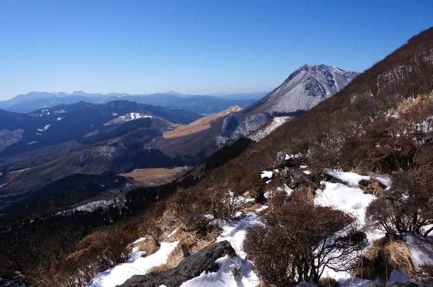 10 由布岳と久住連山.JPG