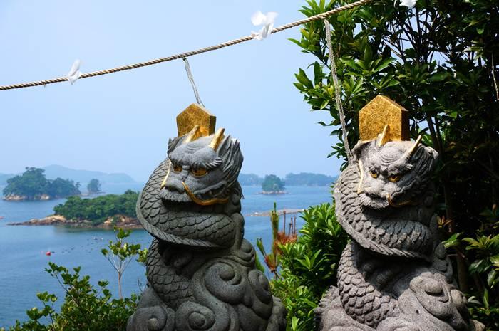 16 島の先端の竜神様.JPG