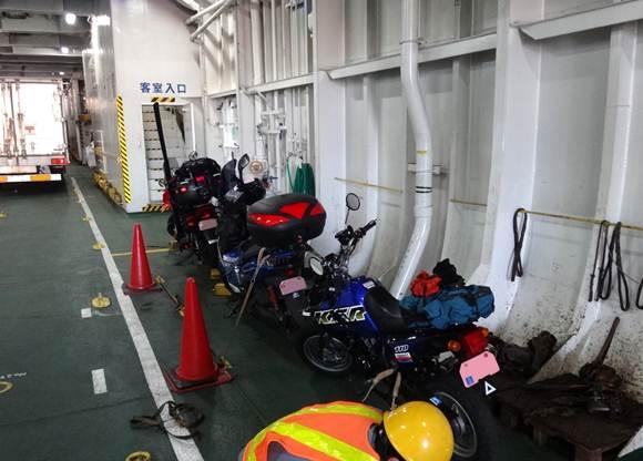 30 バイクは3台だけ.JPG