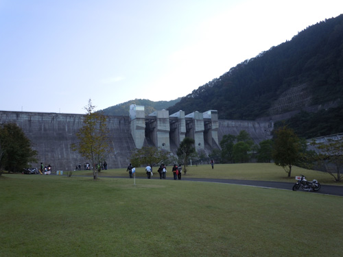 2010_10_10-hiyoshidamu.jpg