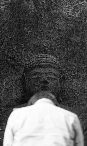 三王山石仏.jpg