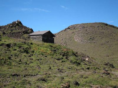 月見小屋と高岳