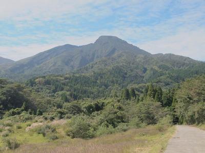 鍋の平から見る高岳