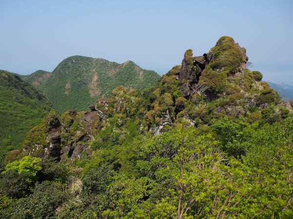 立岩の峰より