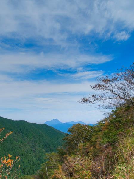 花牟礼山の山頂付近にて