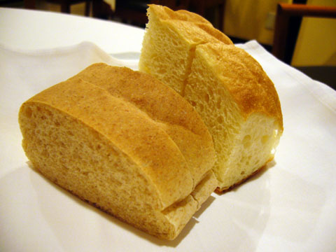 ラ・ムレーナ2009(自家製パン).jpg