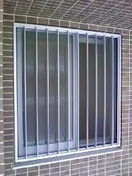 kousigata-window.jpg