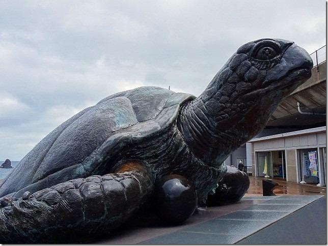 親不知ピアパーク(新潟県 糸魚川市) 海亀像ミリオン