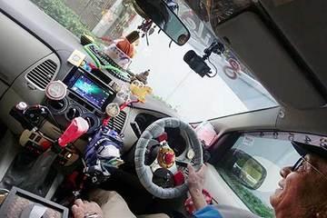 161108空港へタクシー.jpg