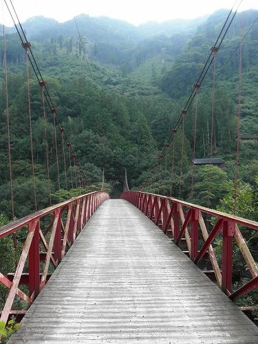 EXILEな赤い橋.jpg