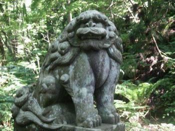 十和田神社狛犬1.JPG