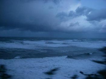 朝の日本海20131126.JPG