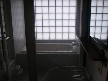 武家屋敷ホテル浴室.JPG