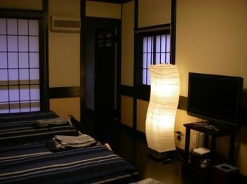 武家屋敷ホテル照明器具.JPG