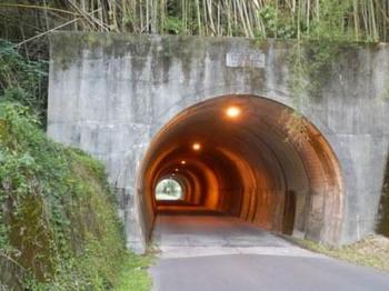 釜沼近辺トンネル20131116.JPG