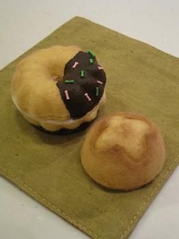 チョコがけドーナツ&まるパン.jpg