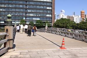 東御苑・平川橋1.JPG