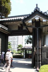 東御苑・平川高麗門1.JPG