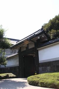 東御苑・平川高麗門2.JPG
