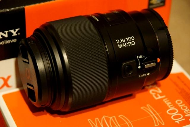 SAL100M28 SONY 100mm F2.8 Macro