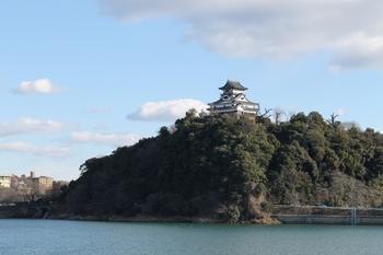 犬山城1 (800x533).jpg