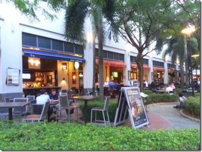 シンガポール川沿いのレストランやバー