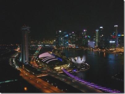 シンガポールフライヤーから見たマリーナベイサンズ方面の夜景