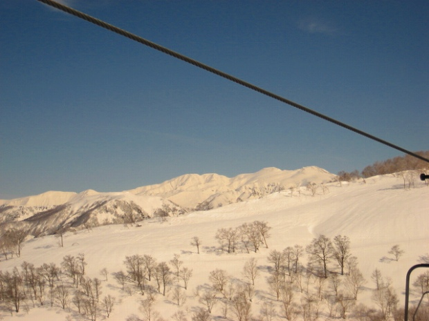 9.リフトから白山.jpg