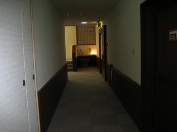 8.1F廊下.jpg